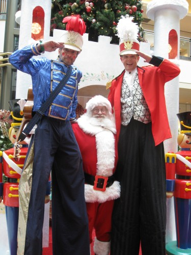 Holiday Stilt Walkers: Santa Clause: Springfield Mall Holiday Entertainment: Roberts Event Group: Roberts Event Group Holiday Entertainment