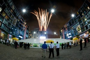Piazza Pampi: Fireworks: New Year: Venue: Outdoor Venue: Piazza: Sparkle: Piazza in Northern Liberty: Philadelphia